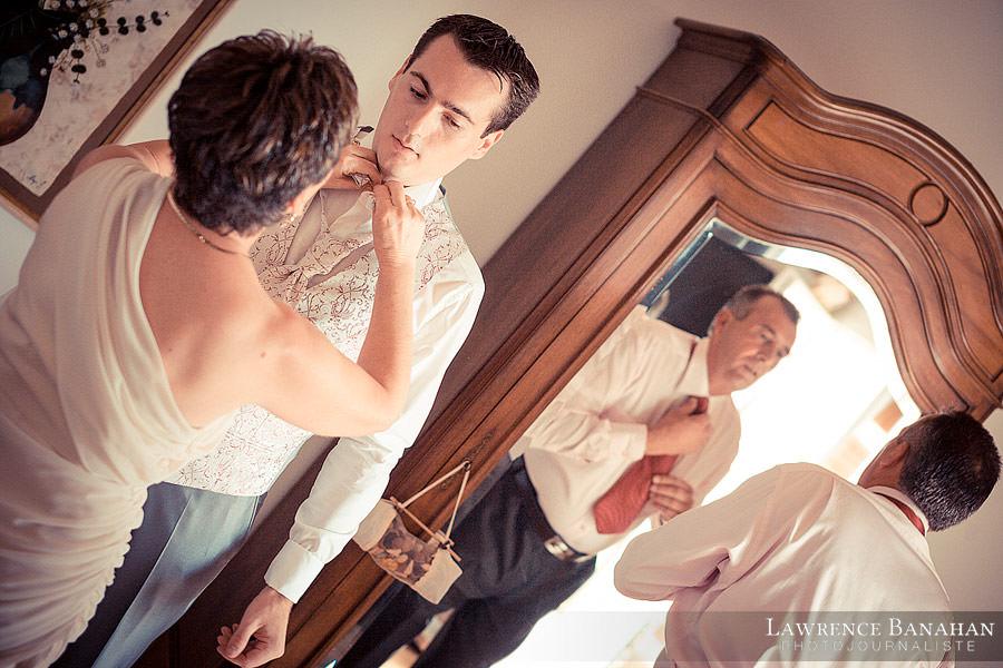 Préparatifs de Florent aux Arcs sur Argens avec ses parents - Reportage mariage