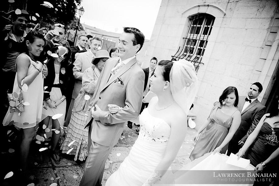 Sortie de la mairie, Cindy et Florent,  Photographe Mariage Trans en Provence,